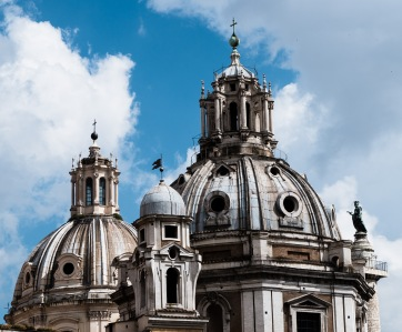 Santa Maria di Loreto / Chiesa SS Nome di María